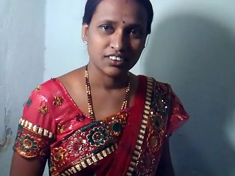 Amateur Juicy Indian Wife In Sari
